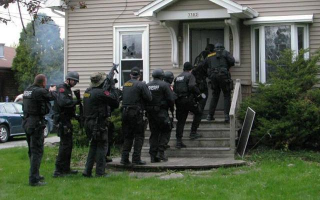 Colorado Criminal Drug Law - Wrong - Door Raids - When The Police Get It Wrong